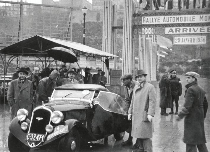 Im Januar 1936 belegte das Fahrerteam Hausman und Pohl (v.l.) mit dem Roadster SKODA POPULAR SPORT den zweiten Platz bei der Rallye Monte Carlo in der Klasse bis 1.500 ccm. / Weiterer Text über ots und www.presseportal.de/nr/28249 / Die Verwendung dieses Bildes ist für redaktionelle Zwecke unter Beachtung ggf. genannter Nutzungsbedingungen honorarfrei. Veröffentlichung bitte mit Bildrechte-Hinweis.