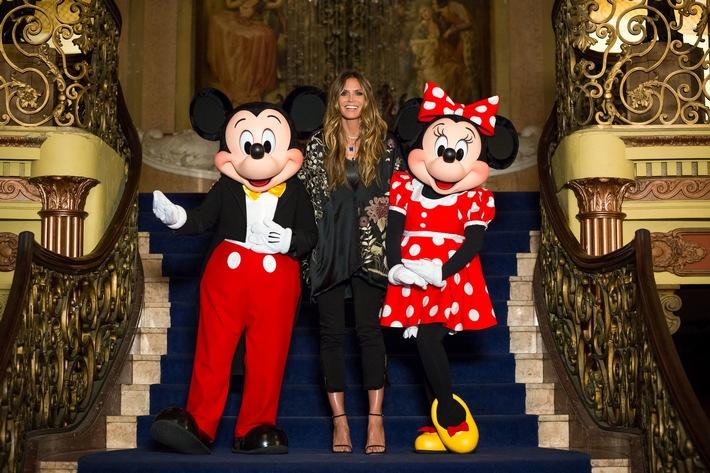""",Disney-Glamour' bei ,GermanyÔs next Topmodel - by Heidi Klum""""'(Donnerstag, 12. April): fuer eine Fashion-Show verwandeln sich die Kandidatinnen in extravagante Versionen der Zeichentrick-Ikonen Micky und Minnie Maus - zum Beispiel mit Minnies typischen Polka Dots oder Mickys knallroter Hose. Und da diese Modenschau niemand besser beurteilen koennte als Micky und Minnie Maus selbst, hat Heidi Klum die beiden eingeladen. Klaudia (21, Berlin): ,Ich mag Micky Maus so sehr. Das ist so cool und ich habe heute die groeßte Schleife, das ist so schoen.' Kann Klaudia mit ihrem Walk das Herz der zwei Stars erobern?  Person: Heidi Klum;  Copyright: ProSieben/Martin Ehleben;  Bildredakteur: Stephanie Schulz;  Dateiname: 1209002.jpg;   Rechtehinweis: Dieses Bild darf bis Ende April 2018 einmalig honorarfrei fuer redaktionelle Zwecke und nur im Rahmen der Programmankuendigung verwendet werden. Spaetere Veroeffentlichungen sind nur nach Ruecksprache und ausdruecklicher Genehmigung der ProSiebenSat1 TV Deutschland GmbH moeglich. Nicht fuer EPG!   NICHT FUER TITEL, NICH FUER TITELKLINKEN!  Verwendung nur mit vollstaendigem Copyrightvermerk. Das Foto darf nicht veraendert, bearbeitet und nur im Ganzen verwendet werden. Es darf nicht archiviert werden. Es darf nicht an Dritte weitergeleitet werden. Bei Fragen: foto@prosiebensat1.com Voraussetzung fuer die Verwendung dieser Programmdaten ist die Zustimmung zu den Allgemeinen Geschaeftsbedingungen der Presselounges der Sender der ProSiebenSat.1 Media SE.; Weiterer Text über ots und www.presseportal.de/nr/25171 / Die Verwendung dieses Bildes ist für redaktionelle Zwecke honorarfrei. Veröffentlichung bitte unter Quellenangabe: """"obs/ProSieben/Martin Ehleben"""""""
