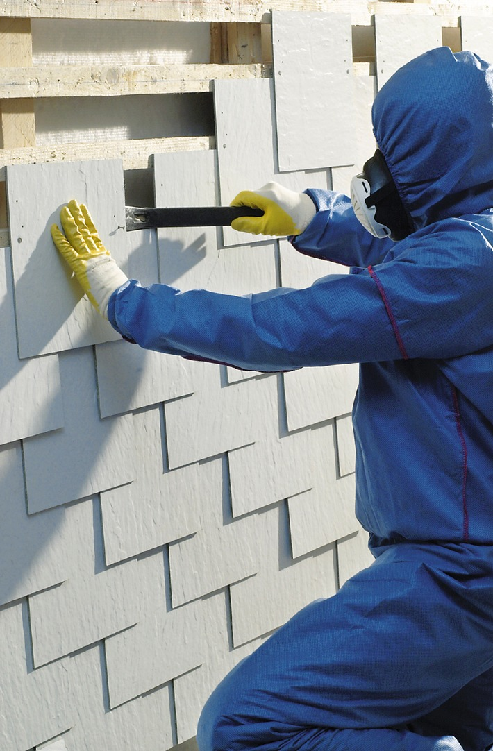 zahl der asbesttoten steigt keine entwarnung umgang mit asbest erfordert h chste. Black Bedroom Furniture Sets. Home Design Ideas