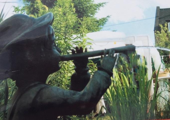 POL-PPKO: Wertvolle Bronzefigur in Koblenz gestohlen