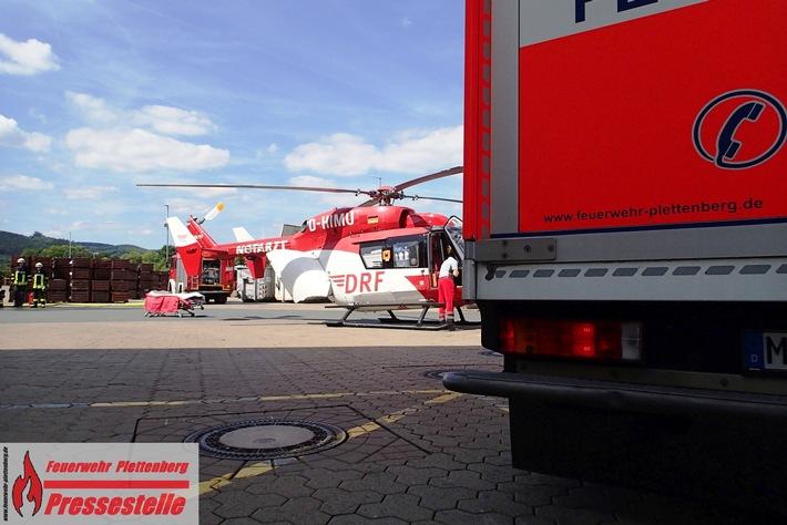 Rettungshubschrauber Christoph Dortmund übernahm den Transport des Verunfallten in eine Unfallklinik.