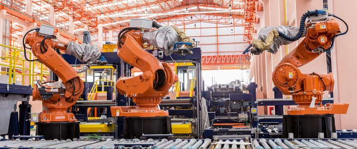 Erste vollautomatische Kennzeichenproduktion der Welt / Italienischer Staat setzt auf deutsche Technologie aus Niedersachsen