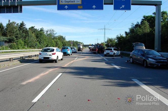 POL-PPWP: Unfall mit hohem Sachschaden auf der B 270
