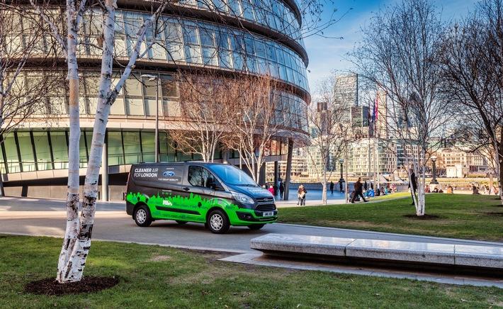 Ford setzt ab November des Jahres für Testzwecke auf den Straßen der spanischen Stadt Valencia Ford Transit ...