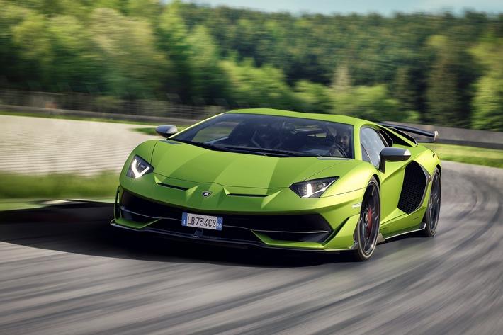 """Rekordzahlen bringen Automobili Lamborghini in neue Dimensionen: 5.750 Fahrzeuge im Jahr 2018 ausgeliefert / Lamborghini Aventador SVJ. Weiterer Text über ots und www.presseportal.de/nr/133303 / Die Verwendung dieses Bildes ist für redaktionelle Zwecke honorarfrei. Veröffentlichung bitte unter Quellenangabe: """"obs/Automobili Lamborghini S.p.A."""""""