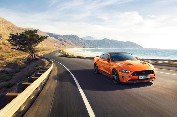 """Ford hat heute (25. Juli 2019) ein Ford Mustang-Jubiläumsmodell für Kunden in Europa angekündigt, mit dem der 55. Geburtstag des legendären Sportwagens gefeiert wird. Der Mustang55 ist ab August bestellbar, die Preise werden in Kürze bekanntgegeben. Der Mustang 55 basiert auf dem Ford Mustang GT mit dem 331 kW (450 PS) starken 5,0-Liter-V8-Motor. Weiterer Text über ots und www.presseportal.de/nr/6955 / Die Verwendung dieses Bildes ist für redaktionelle Zwecke honorarfrei. Veröffentlichung bitte unter Quellenangabe: """"obs/Ford-Werke GmbH"""""""