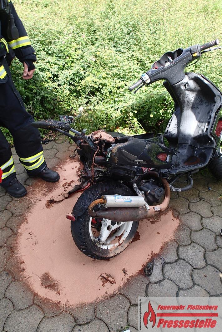 Am Motorroller entstand vermutlich Totalschaden