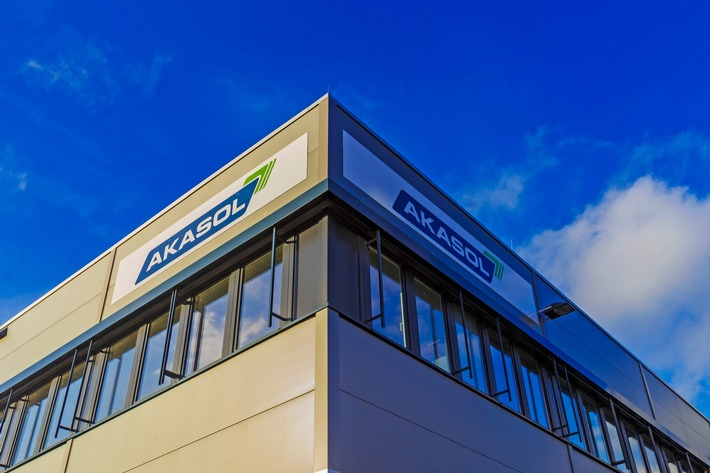 Hier, im hessischen Langen, produziert Akasol Hochleistungs-Batteriesysteme für den Elektrobus Citaro von der Daimler-Tochter ...