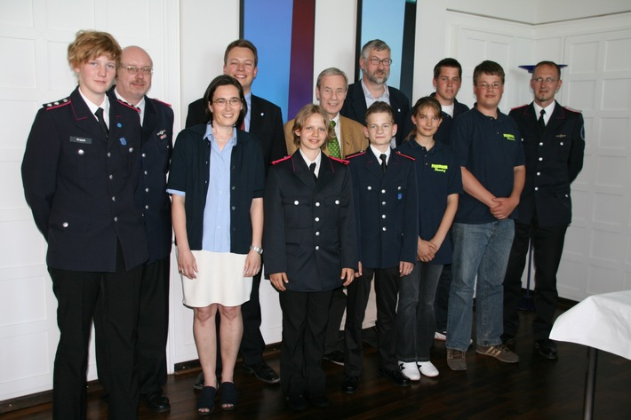 FW-LFVSH: Jugendfeuerwehren sammeln am erfolgreichsten - Jugendsammlung 2008 vom 17. bis 30. Mai