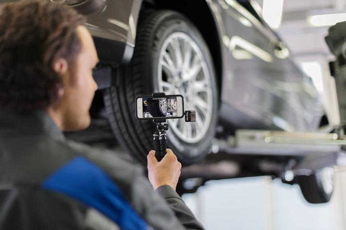 """Ford Video Check: Allein im Juni wurden täglich rund 1.500 Videos an Werkstattkunden verschickt. Weiterer Text über ots und www.presseportal.de/nr/6955 / Die Verwendung dieses Bildes ist für redaktionelle Zwecke honorarfrei. Veröffentlichung bitte unter Quellenangabe: """"obs/Ford-Werke GmbH/NEOSEEN GmbH"""""""