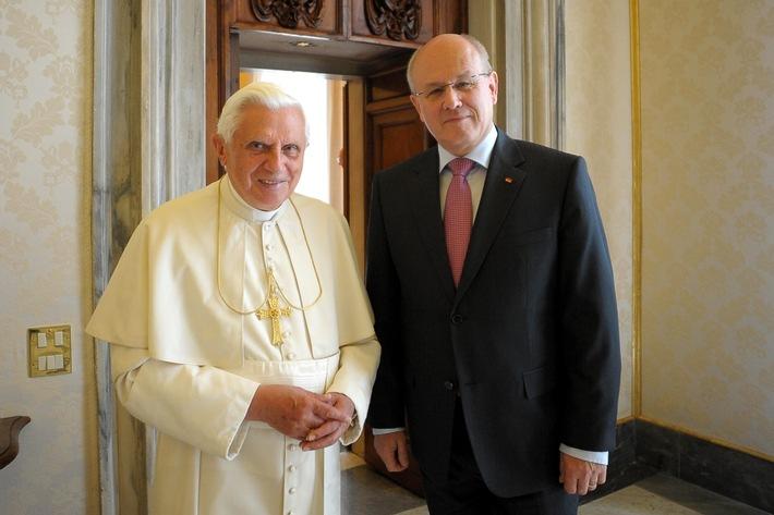 Volker Kauder beim Papst (mit Foto)