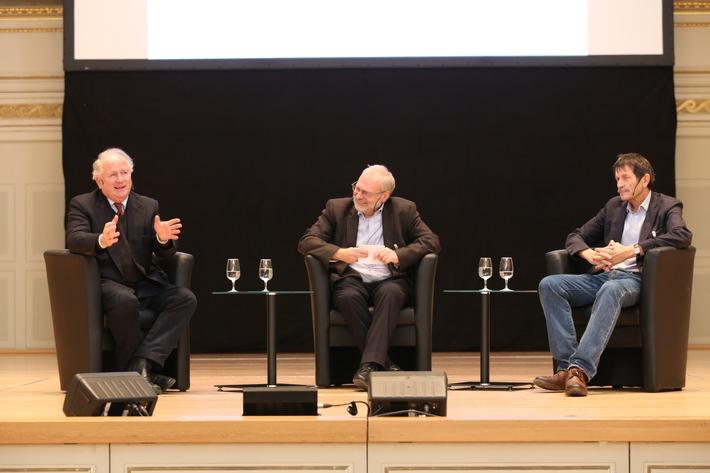 200 Fachleute aus Politik, Wirtschaft und Sozialbereich diskutieren am Caritas-Forum in Bern / Recht auf existenzsichernde Arbeit