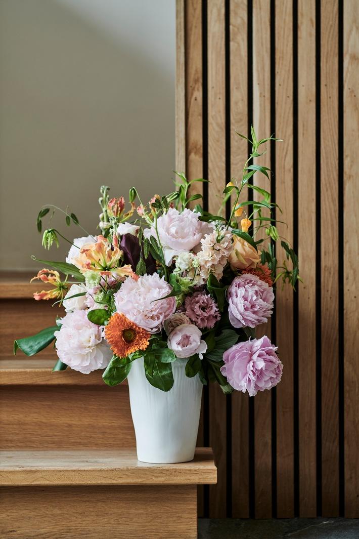 Üppige Blüten und sanfte Pastellfarben - Sommer, Sonne, Heiterkeit - herrliche Sommerbouquets mit Pfingstrosen