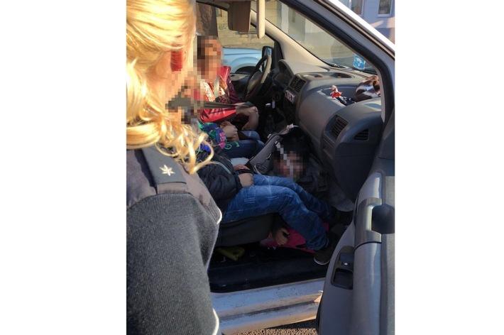 POL-HA: Kinder ohne Sicherung im Auto transportiert