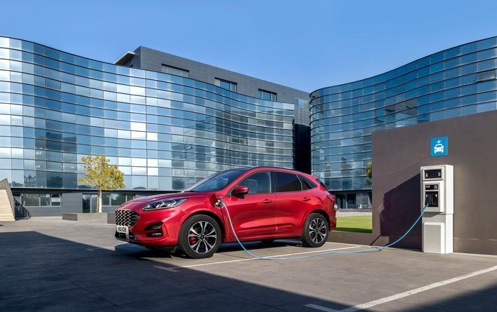 """Im Frühjahr 2019 hatte Ford bekannt gegeben, fortan jede neue Pkw-Modellreihe in Europa mit einer elektrifizierten Antriebsalternative anzubieten - von 48-Volt-Mild-Hybrid- über Plug-in-Hybrid- und Voll-Hybrid-Optionen bis hin zum reinen Elektrofahrzeug. Ziel ist eines der umfangreichsten und vielseitigsten Angebote an elektrifizierten Automobilen. Bis 2024 will Ford 18 neue Modelle mit elektrifiziertem Antrieb vorstellen, davon allein acht in 2019. Im Bild: die neue, dritte Generation des Ford Kuga, die im kommenden Jahr mit 48-Volt-Mild-Hybrid-, selbstladendem Voll-Hybrid- und einer Plug-in-Hybrid-Variante zur Wahl stehen wird. / IAA Pkw: Ford präsentiert das umfangreichstes Angebot an elektrifizierten Modellen in bisheriger Firmengeschichte / Weiterer Text über ots und www.presseportal.de/nr/6955 / Die Verwendung dieses Bildes ist für redaktionelle Zwecke honorarfrei. Veröffentlichung bitte unter Quellenangabe: """"obs/Ford-Werke GmbH/Macbook Pro"""""""