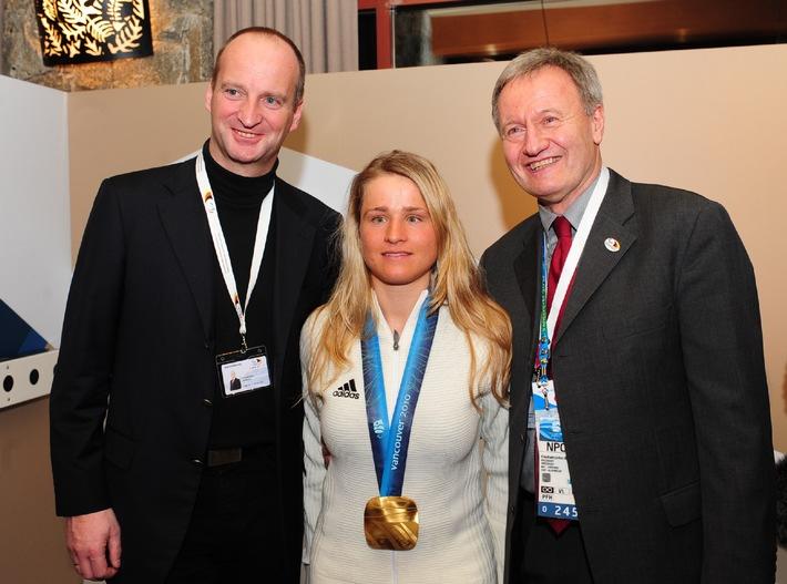 Paralympics 2010 / Apotheker gratulieren Verena Bentele zur Goldmedaille