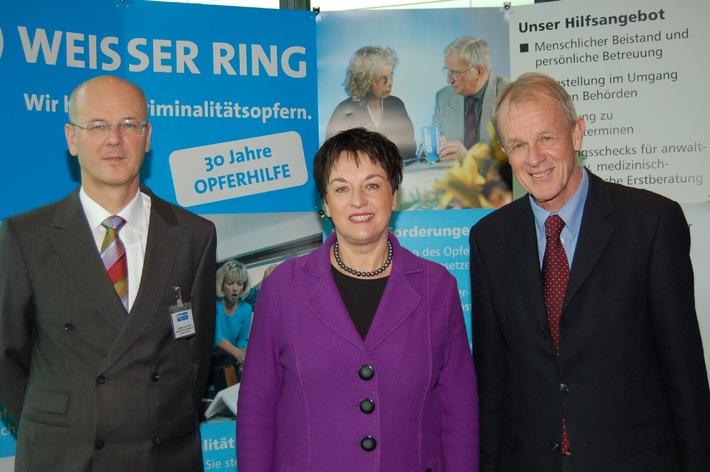 """Bundesdelegiertenversammlung des WEISSEN RINGS in Fulda / Zypries: """"Ehrenamtliche Opferhelfer unverzichtbar"""""""
