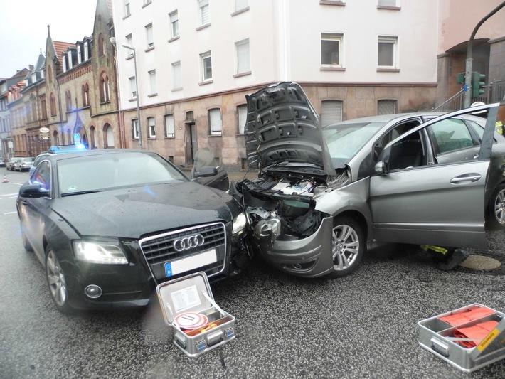 POL-PPWP: Unfall mit vier Verletzten - Zeugen gesucht!