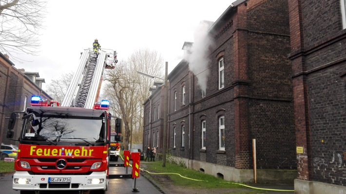 FW-GE: Wohnungsbrand in Bismarck
