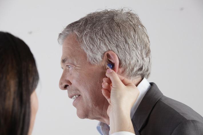 Hohe Versorgungsqualität mit modernen Hörsystemen durch Hörakustiker_Copyright biha.JPG
