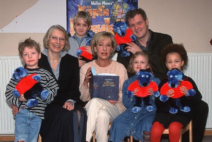 Kinder Kino-Tag mit Kieft & Kieft Filmtheater GmbH und Senator Film spenden fast 24.000 DM an terre des hommes Deutschland e.V.