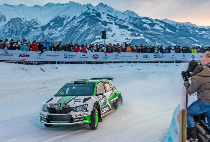 """WRC 2-Champion Jan Kopecky gewinnt GP Ice Race vor SKODA Markenkollege Julian Wagner / SKODA beim GP Ice Race in Zell am See (Österreich): SKODA Werksfahrer Jan Kopecky gewann im SKODA FABIA R5 die R5-Kategorie beim Eisrennen GP Ice Race in Zell am See. Weiterer Text über ots und www.presseportal.de/nr/28249 / Die Verwendung dieses Bildes ist für redaktionelle Zwecke honorarfrei. Veröffentlichung bitte unter Quellenangabe: """"obs/Skoda Auto Deutschland GmbH/HONZA FRONEK"""""""