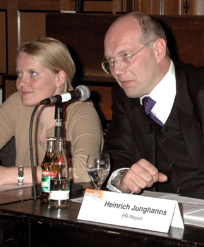 """media coffee von news aktuell: """"Kuschelfaktor"""" bei Jobs in der PR-und IT-Branche immer wichtiger"""
