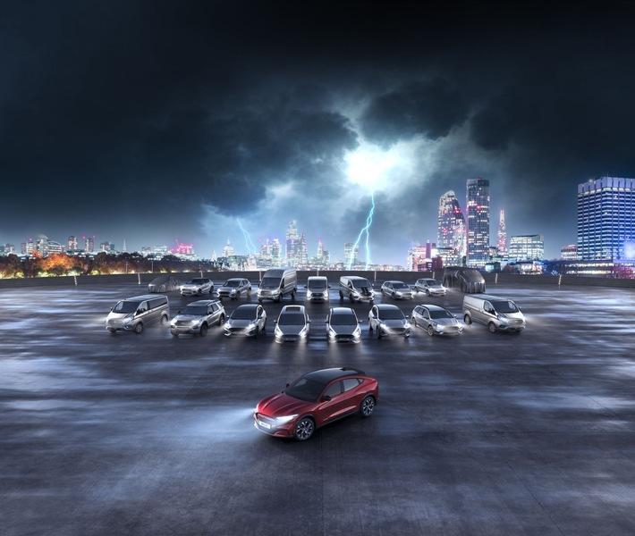 """Als Teil seiner Nachhaltigkeitsstrategie elektrifiziert Ford seine Fahrzeugflotte. Weiterer Text über ots und www.presseportal.de/nr/6955 / Die Verwendung dieses Bildes ist für redaktionelle Zwecke honorarfrei. Veröffentlichung bitte unter Quellenangabe: """"obs/Ford-Werke GmbH"""""""
