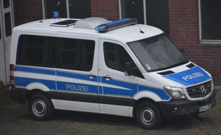 Mannschaftswagen der Bochumer Bereitschaftspolizei