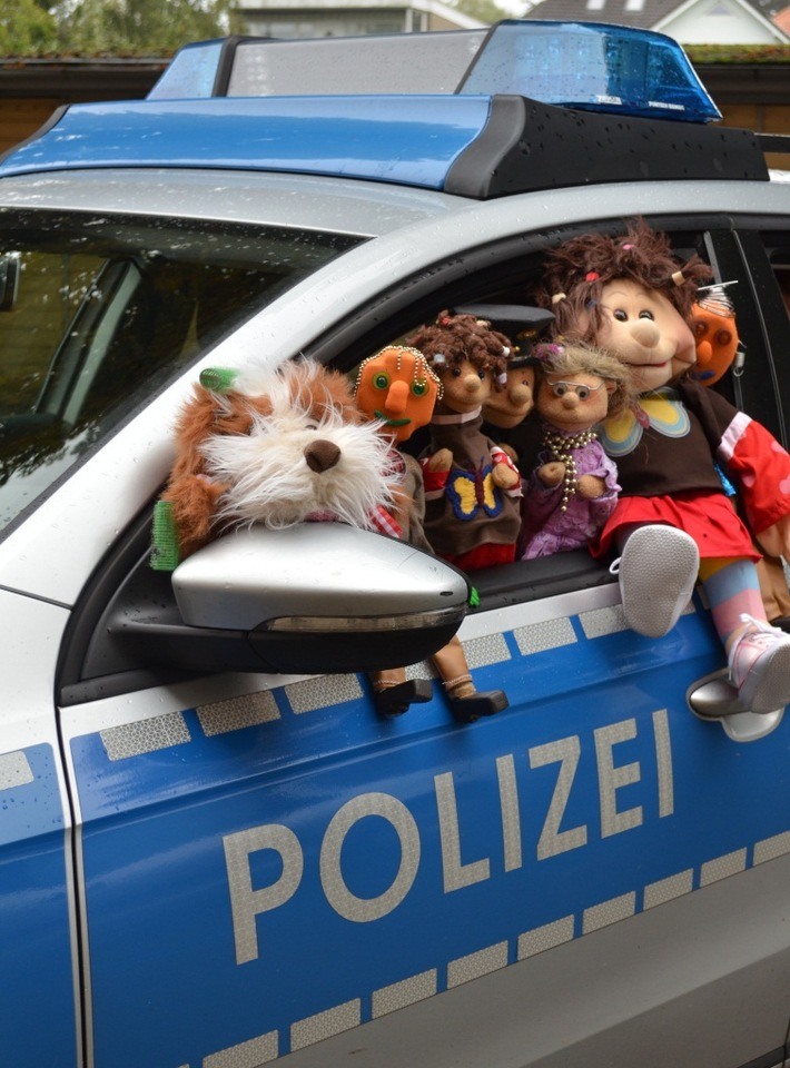 POL-DEL: Die Polizeipuppenbühne der Polizeidirektion Oldenburg ist nun auch zu Hause erlebbar