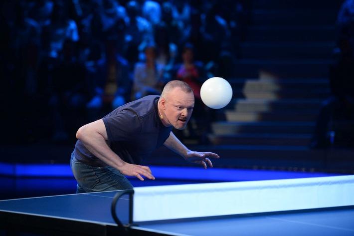 """Stefan Raab vs. Thorsten Legat: Kopf-Tisch-Ball-Tennis bei """"TV total"""" auf ProSieben"""