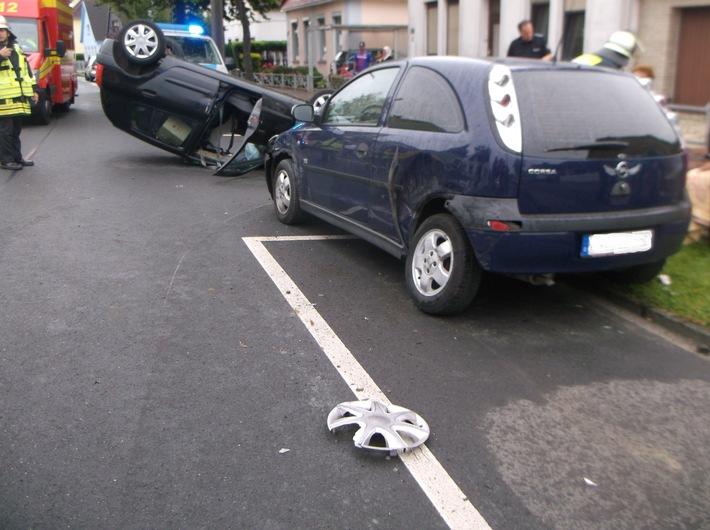 POL-WHV: Verkehrsunfall mit zwei leichtverletzten Personen