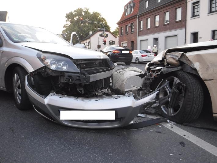 Polizei Düren: Verkehrsunfall in Gürzenich