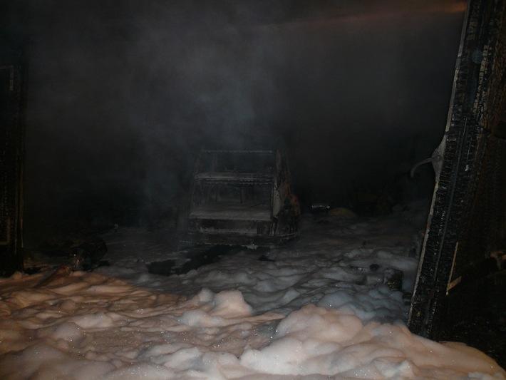 FW-E: Garagenanbau in Flammen