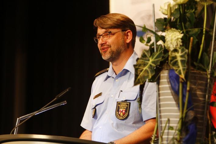 Notruf 112: Dran bleiben rettet Leben / Deutscher Feuerwehrverband informiert zum Notruftag am 11. Februar 2017