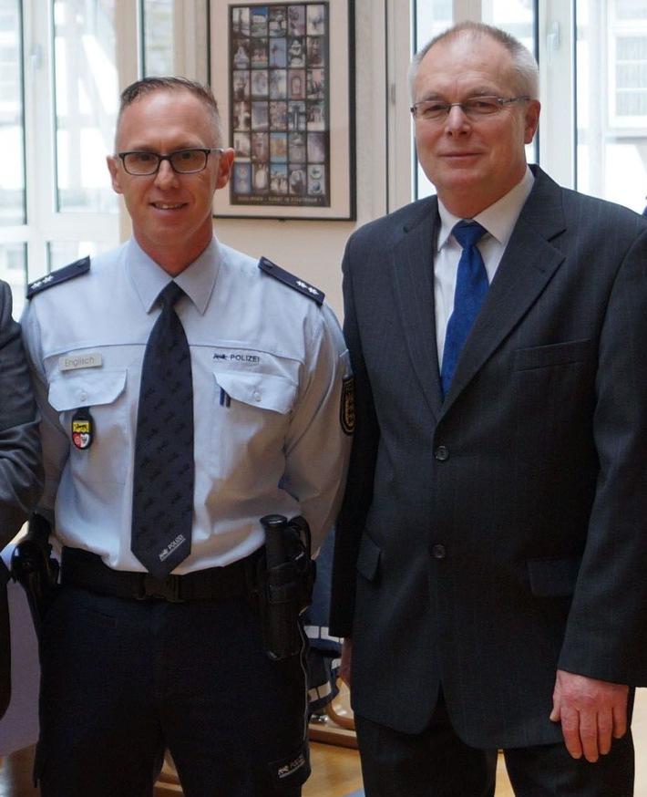 Polizeioberkommissar Konrad Englisch (li.) wurde Nachfolger von Eckhard Keller und ist nun Leiter des Polizeipostens Güglingen