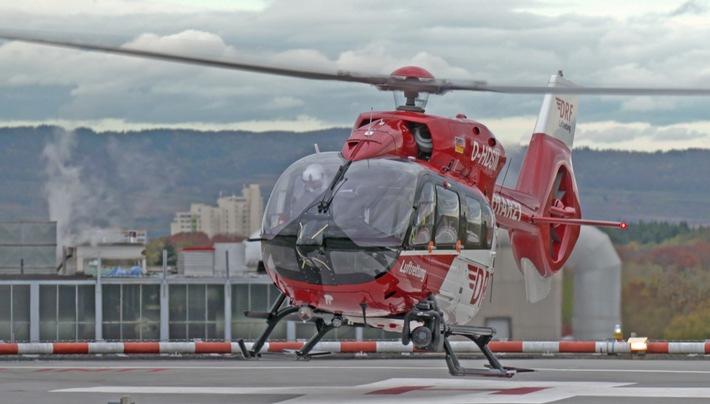 Ein schwerkranker Covid-Patient kommt per Hubschrauber in die Uniklinik Freiburg.  © SWR, honorarfrei - Verwendung gemäß der AGB im engen inhaltlichen, redaktionellen Zusammenhang mit genannter SWR-Sendung bei Nennung