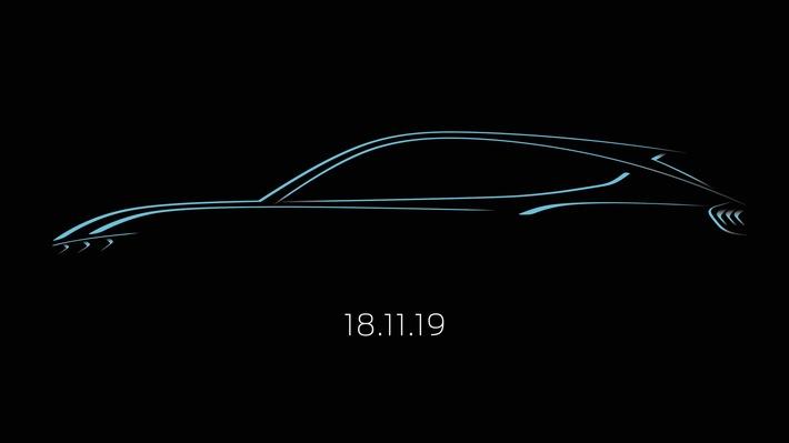"""Ford hat eine erste Design-Skizze des brandneuen, vom Mustang inspirierten, voll-elektrischen SUVs veröffentlicht. Zugleich teilte das Unternehmen mit, dass das derzeit noch namenlose Elektroauto im Rahmen der Los Angeles Auto Show seine Weltpremiere feiern wird. Die Enthüllung dieses Hochleistungsfahrzeugs, das gemäß WLTP-Testzyklus eine Reichweite von bis zu 600 Kilometern haben wird, ist für Sonntag, 17. November, 19 Uhr Los Angeles Ortszeit (Pacific Time), geplant und wird per Livestream weltweit übertragen. Aufgrund der Zeitverschiebung heißt dies, dass Interessenten in Deutschland die Präsentation am Montag, 18. November, ab 3:00 Uhr morgens (MEZ = Mitteleuropäische Zeit) live mitverfolgen können. Weiterer Text über ots und www.presseportal.de/nr/6955 / Die Verwendung dieses Bildes ist für redaktionelle Zwecke honorarfrei. Veröffentlichung bitte unter Quellenangabe: """"obs/Ford-Werke GmbH"""""""