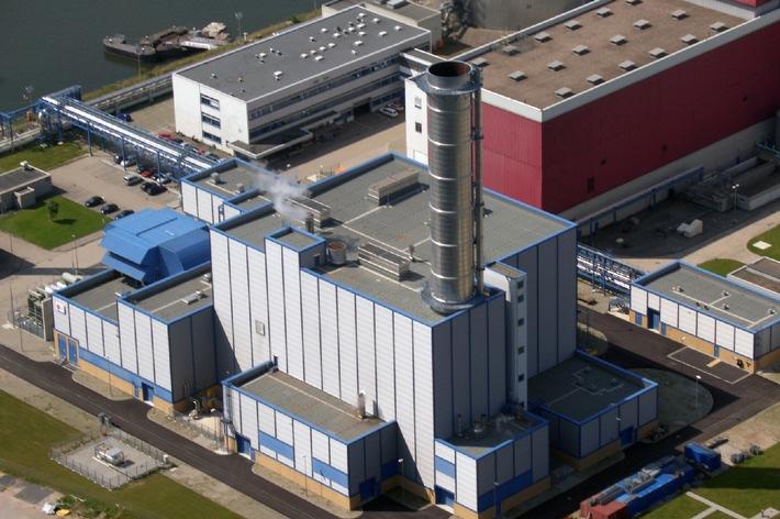 """Das neue Heizkraftwerk Niehl II der RheinEnergie AG. Die Verwendung dieses Bildes ist für redaktionelle Zwecke honorarfrei. Abdruck bitte unter Quellenangabe: """"obs/RheinEnergie AG"""""""