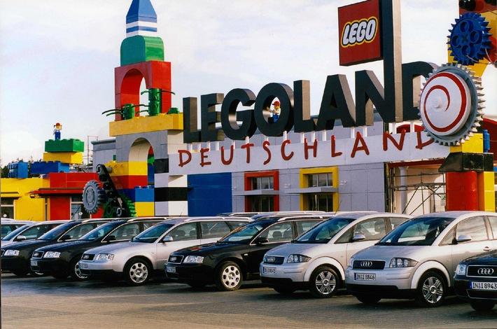 """Audi ist Partner von LEGOLAND Deutschland, das am 17. Mai im bayerischen Günzburg offiziell eröffnet wird. In der Audi LEGOLAND Fahrschule können Kinder mit 40 maßstäblich verkleinerten LEGOLAND Audi TT Roadstern mit Elektro-Antrieb ihr Können zeigen. Darüber hinaus stehen 38 Audi Modelle, vom A2 bis zum A6 Avant, als Dienst- und Shuttle-Fahrzeuge für Legoland Deutschland zur Verfügung.Die Verwendung dieses Bildes ist für redaktionelle Zwecke honorarfrei. Abdruck bitte unter Quellenangabe: """"obs/Audi"""""""