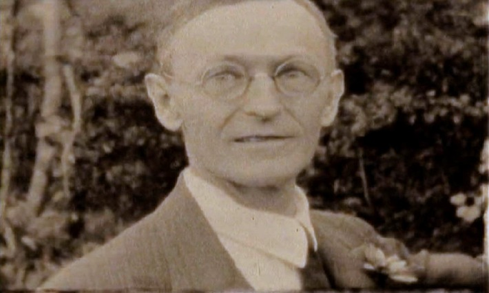 On the 50th anniversary of the death of Hermann Hesse - exclusive images at swissinfo.ch