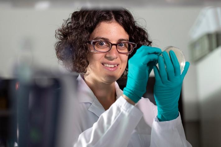 BÂDr.LE - 16.08.2018 - Dr Sara Montagner, biologiste, chercheuse en immunologie. Le Prix Marie Heim-Vögtlin (MHV), doté de 25'000 francs, est décerné chaque année par le Fonds national suisse à une chercheuse financée par un subside MHV. Novartis Campus Basel, jeudi 16 août 2018.  SEVERIN NOWACKI Photographe BR boîte postale CH-3001 Berne Suisse +41 79 761 33 46 PC 30-455681-8 info@nowacki.ch www.nowacki.ch www.nowacki.ch