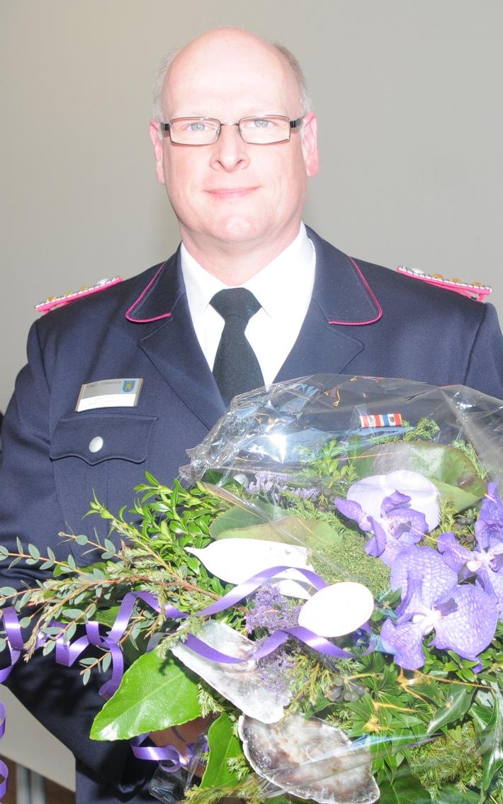 Der Hauptbrandmeister drei Sterne Dirk Lolies wurde als neuer Beisitzer mit 104 von 106 Stimmen in den Kreisvorstand gewählt.
