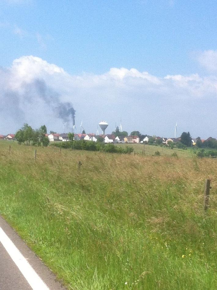 POL-PPWP: Windrad in Brand geraten