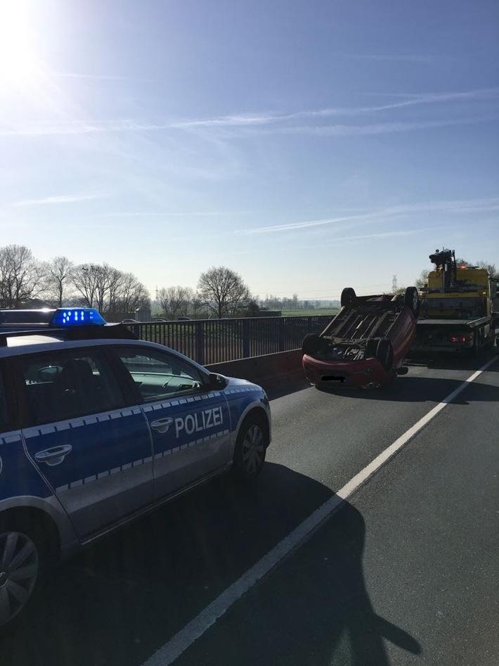 Zur Meldung: Pkw überschlug sich Unfallort: B70 in Höhe Ledabrücke Unfallzeit: 18.04.2018; 08:40 Uhr