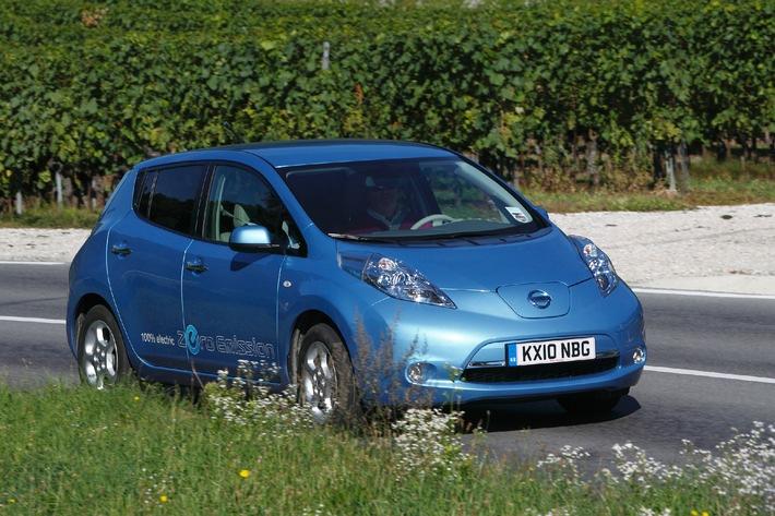 Nissan LEAF ist Auto des Jahres 2010