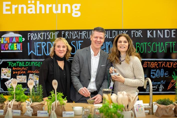 Ernährungsinitiative der BARMER und Sarah Wiener Stiftung / Jede fünfte Kita in Nordrhein-Westfalen kann kochen