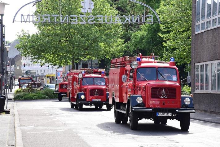 Feuerwehr-Oldtimer bei der vergangenen Sternfahrt im Jahr 2015 (Foto: Jürgen Truckenmüller / VdF NRW)