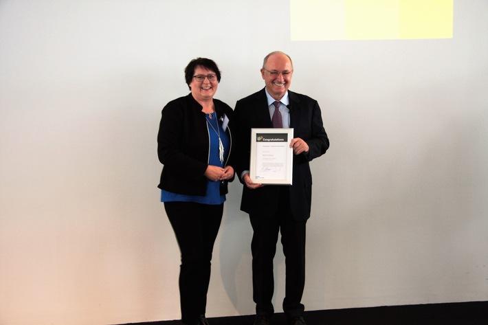 Erfolgsmotor Weiterbildung / WBS-Weiterbildungsabsolventinnen durch SAP ausgezeichnet