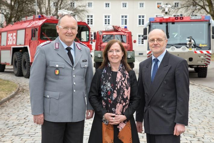 Wasser Stopp - Leiter des Zentrums Brandschutz der Bundeswehr verabschiedet